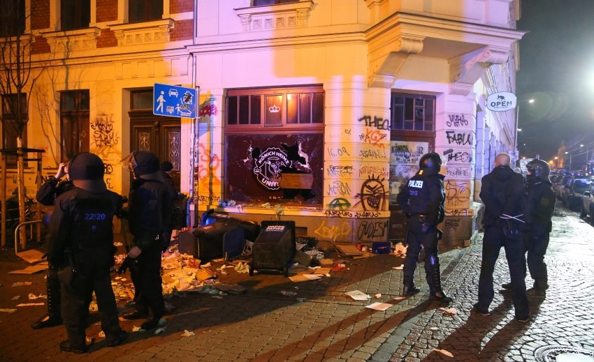 Almanya'da sağcı holigan terörü