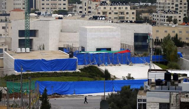 DNA örnekleri alındıktan sonra Arafat'ın naaşı tekrar askeri törenle defnedilecek.