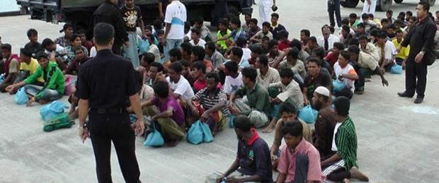 Arakanlılar insan kaçakçılarına satılıyor