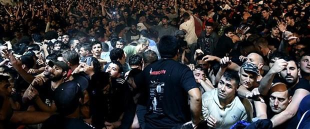 arjantin rock konser izdiham130317.jpg