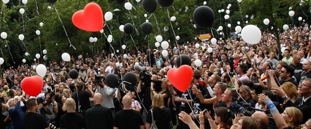 'Aşk Geçidi' kurbanları için 21 mum