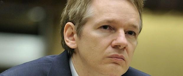 Assange çevrimiçi