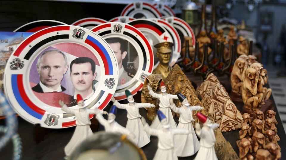 Hava operasyonlarıyla Esad rejimine destek veren Rusya Devlet Başkanı Putin bu ülkede rejim taraftarlarınca çok seviliyor.