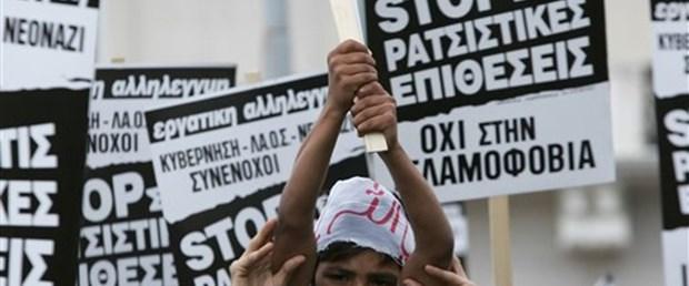 Atina'da Müslümanlardan olaysız protesto