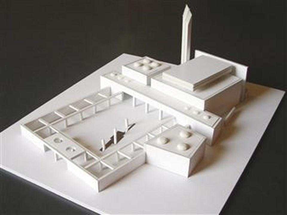 Atina'ya cami yapılma konusu yıllardır tartışılıyor. Yunanistan Kültür Bakanlığı Atina için cami tasarımı yapmıştı. Ancak proje gerçekleşmedi.