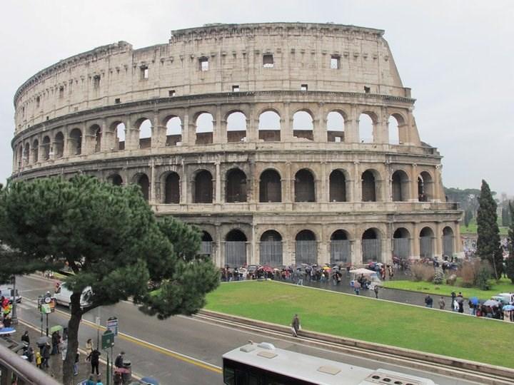 1) İtalya