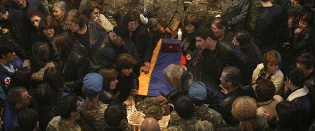 160411-ermeni-askerlerin-naaşı.jpg