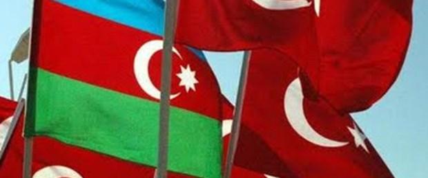 Azerbaycan ile bayrak krizi büyüyor