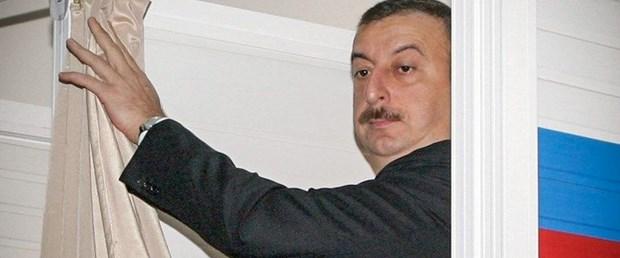 azerbaycan cumhurbaşkanı seçim110418.jpg
