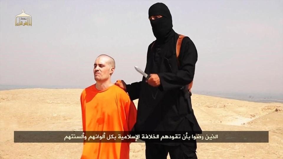 IŞİD, ABD'li gazeteci James Foley'nin kafasını kestiği görüntüleri yayınladı.