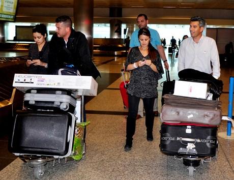 Bahreyn'de yaşanan olaylar nedeniyle bu ülkeyi terkeden Türkler'den bazıları İstanbul'a geldi.