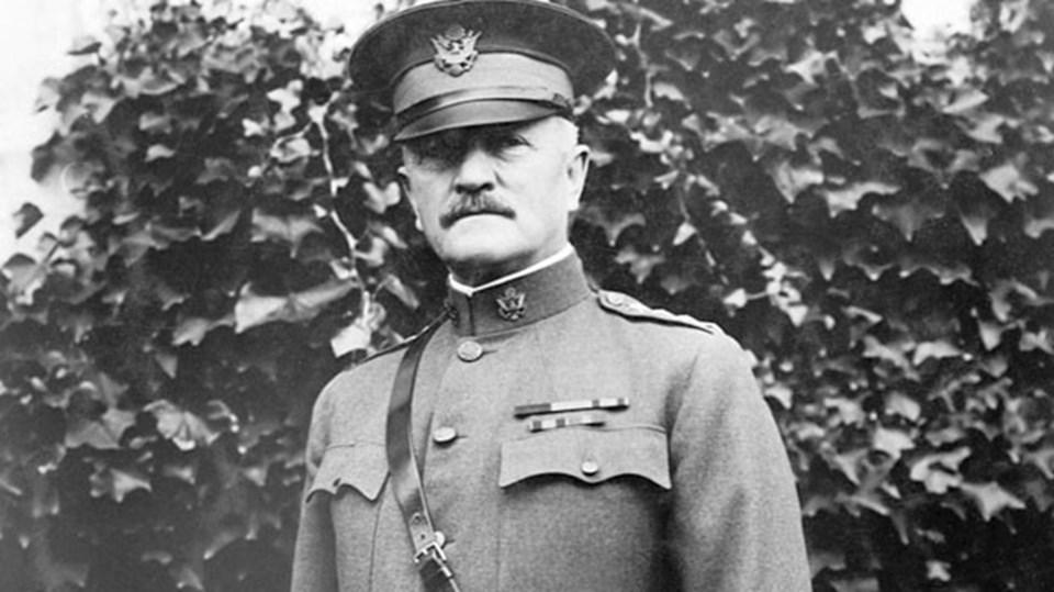 Birçok tarihçi, ABD'li General John J. Pershing'in Filipinli Müslüman militanları domuz kanına batırılmış mermilerle kurşuna dizdirdiği olayının şehir efsanesi olduğunu belirtiyor.