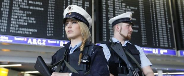 belçika polis kadın erkek