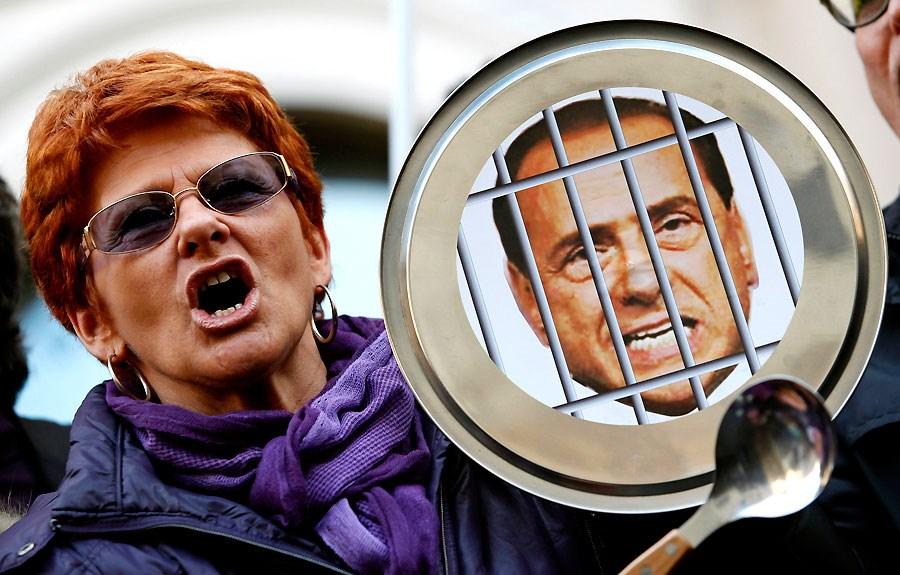 'Berlusconi istifa'