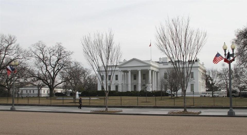 Beyaz Saray'da Hollande telaşı