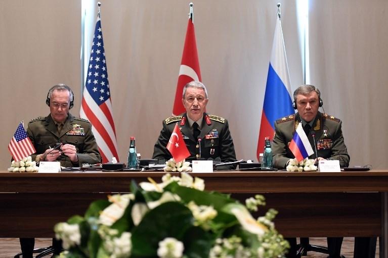 Türk, Rus ve ABD'li genelkurmay başkanları Antalya'da buluşmuştu.