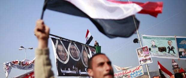Bir milyon Mısırlı yeniden sokağa çıkıyor