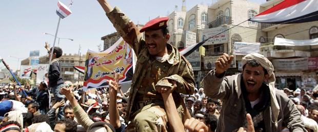 Bir milyon Yemenli meydana iniyor