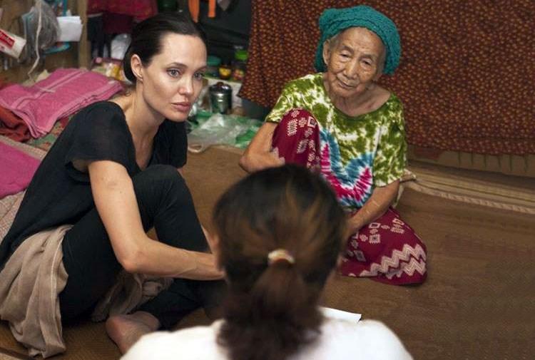 BM iyi niyet elçisi Jolie Myanmar'da
