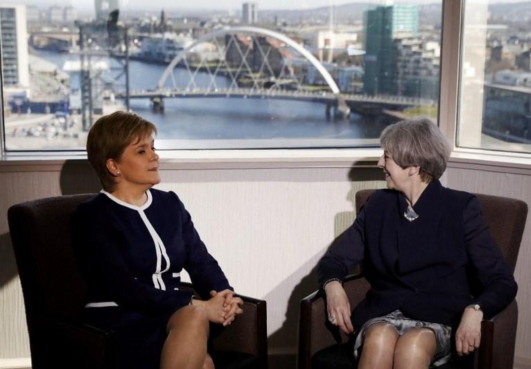"""""""Brexit"""" kararı sonrası İskoçya AB'den ayrılmak istemediğini her defasında vurguluyor. İskoçya parlamentosu bu nedenle ikinci bir bağımsızlık referandumu kararı aldı."""