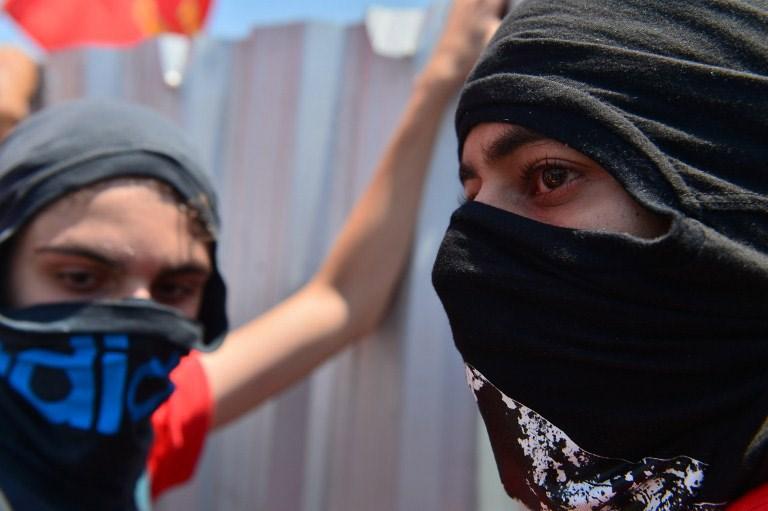 Brezilya sokaklarında petrol ateşi