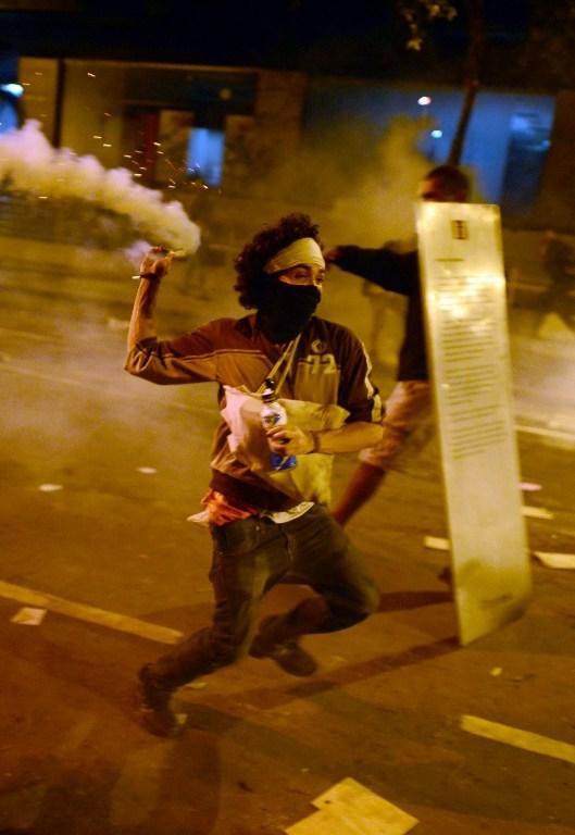Brezilya'da 200 bin kişi ayakta