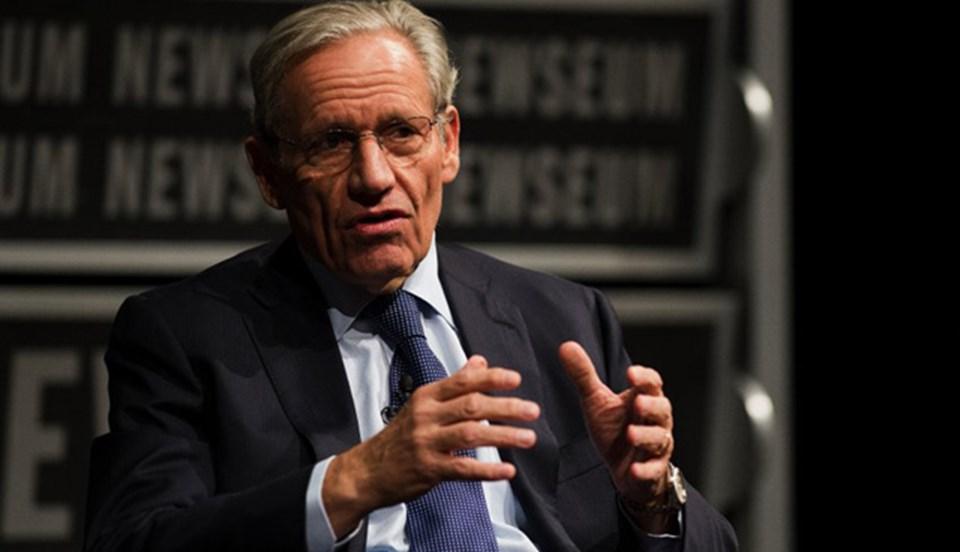 Bob Woodward, önce telefonla daha sonra da elektronik posta ile üstü kapalı tehdit edildiğini söyledi.