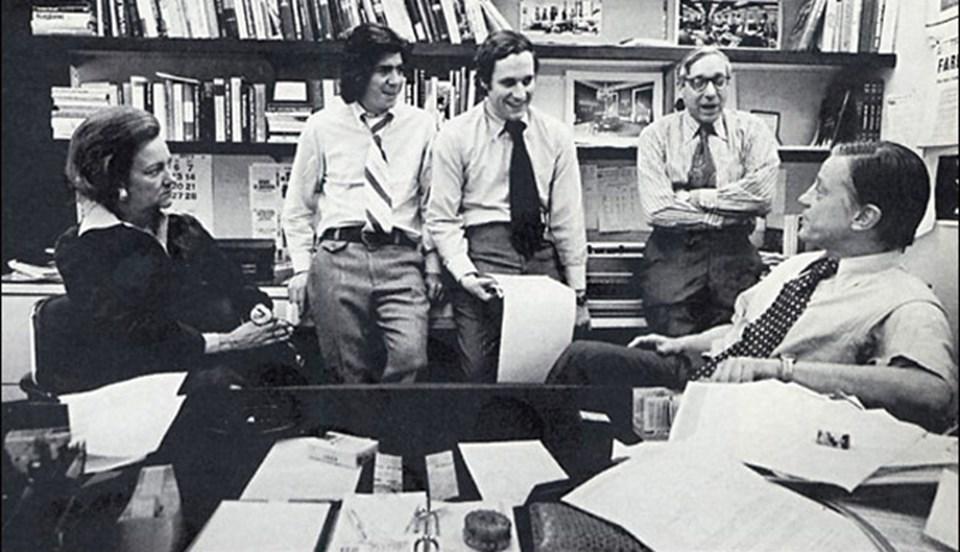 Bob Woodward ve Carl Bernstein 1972'de Watergate Skandalı'yla dönemin ABD Başkanı Nixon'ı istifaya zorlamıştı.