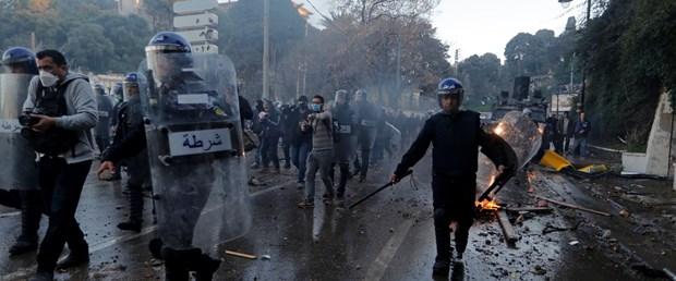 cezayir protesto cezayip polis