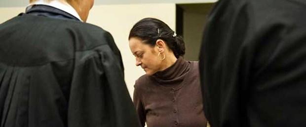 Büyükannesi mahkemeye çağrıldı