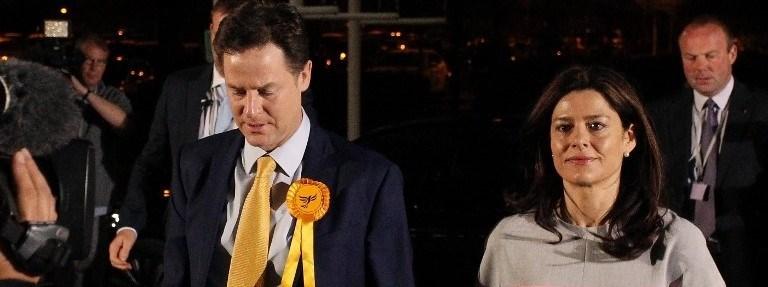 Seçimde ağır yenilgi alan Nick Clegg'in istifa etmesi bekleniyor.