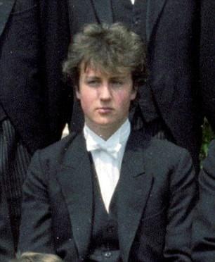 Şimdiki İngiltere Başbakanı David Cameron 19 yaşında Rusya'yı Trans Sibirya Ekspresi ile gezdi.