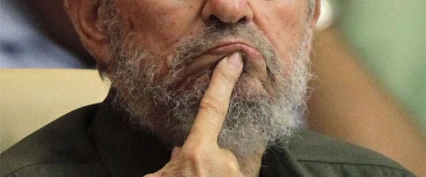 Castro: Assange ABD'ye diz çöktürdü