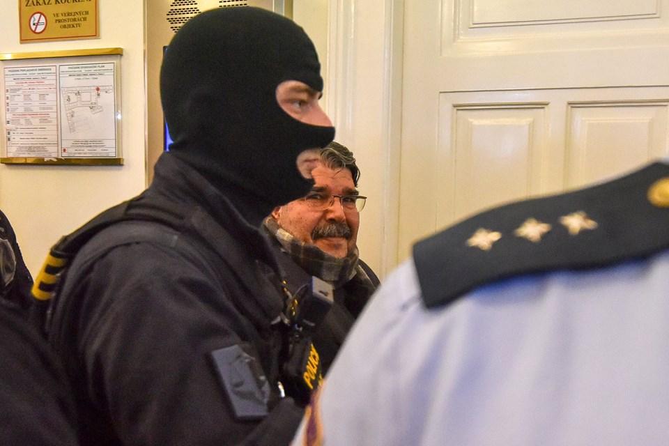 PYD eski Eşbaşkanı Salih Müslüm bugün başkent Prag'ta hakim karşısına çıkarıldı.