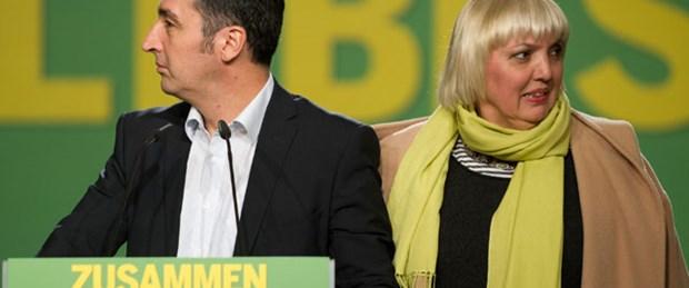 Cem Özdemir ve Claudia Roth 2 yıl daha görevde