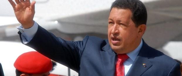 Chavez ameliyat öncesi halef atadı