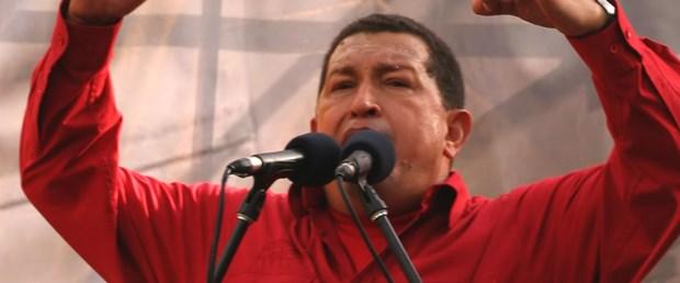 Chavez: NATO Kaddafi'yi öldürmeye çalışıyor