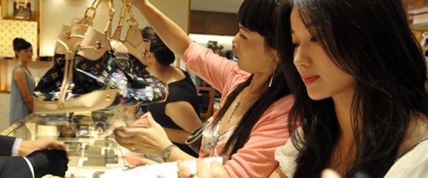 Çin işi marka çantalar yakalandı