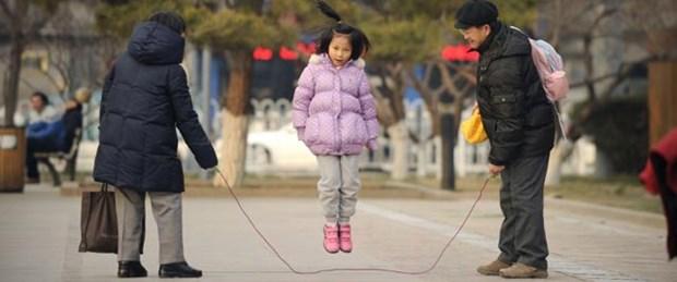 Çin 'tek çocuk'tan vazgeçiyor