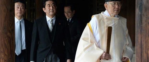 Çin'den Abe'ye 'ikiyüzlülük' suçlaması