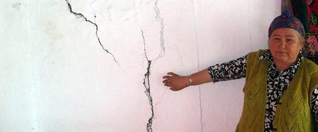 çin uygur deprem.jpg