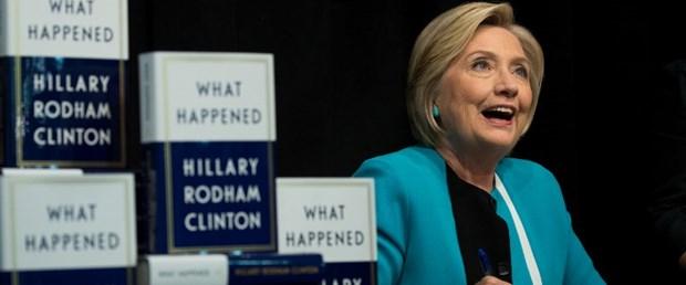 Clinton başkan seçilmemesinden FBI'yı sorumlu tuttu