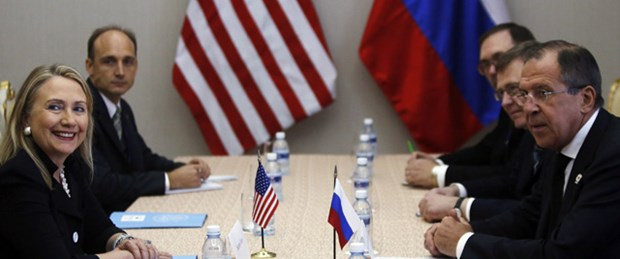 Clinton: Esad'a baskı artıyor