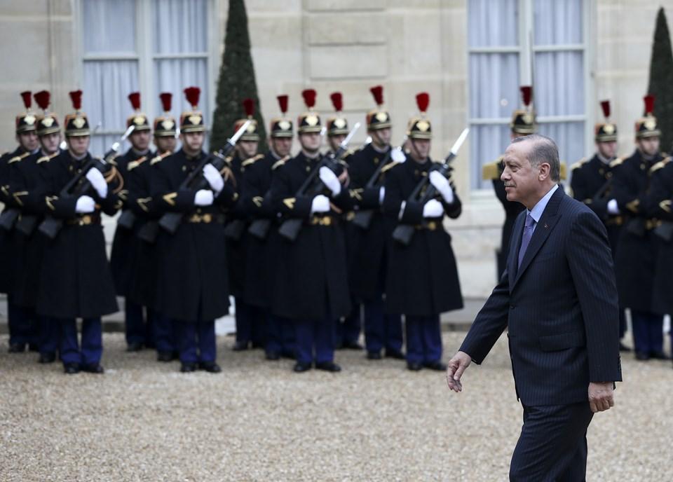 Cumhurbaşkanı Erdoğan Elysee Sarayı'nda resmi törenle karşılandı.