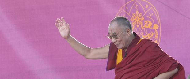 Dalay Lama siyaseti bırakıyor