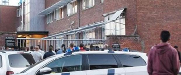 Danimarka'da cami baskını: İmam kelepçelendi