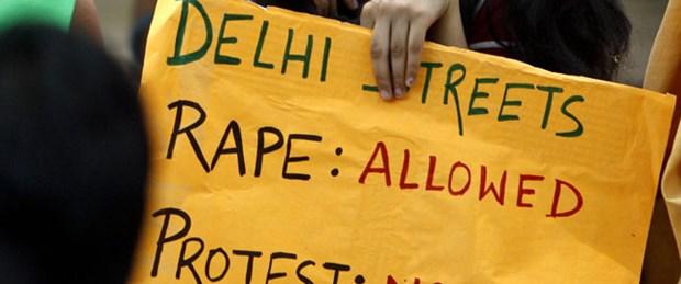 Delhi'de öğrenciye otobüste 'toplu tecavüz'