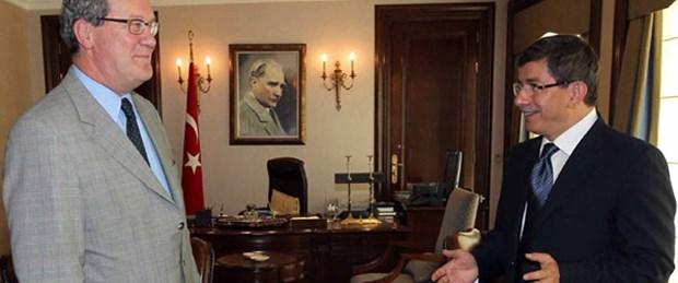 Downer'dan Davutoğlu'na 'Kıbrıs' ziyareti