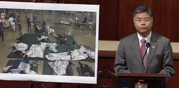 Meclis üyesi, ailelerinden ayrılan göçmen çocukların ağlama seslerini dinletti