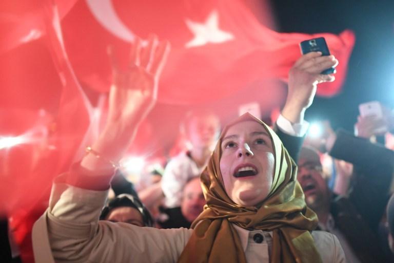 """FINANCIAL TIMES: """"HAYIR"""" ERDOĞAN'A MESAJ"""
